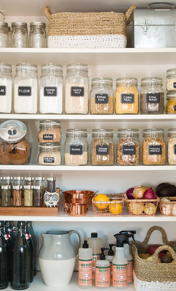 We don't have a pantry to organize, but if we did, it would look like this!