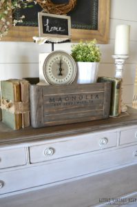 5-Ways-to-Style-a-Wooden-Crate-Farmhouse-Vignette-4