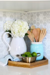 Kitchen-Reveal-Hexagon-Tray-453x680
